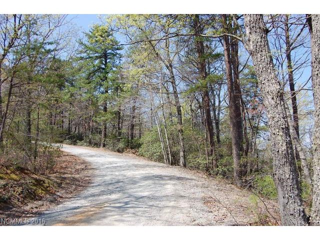 https://secure-forwarder.pl-internal.com/responder/photos.listhub.net/WNCRMLS/3184234/2?lm=20160604T224224